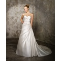 A-ligne Sweetheart Cathedral Train Satin Criss-Cross Beading Robe de mariée