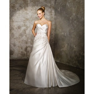 A-line Sweetheart Nhà ga đào Satin Criss-Cross Beading Wedding Dress