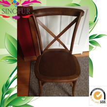 Feito de uma cadeira de jantar em Montanha Sino
