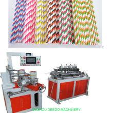 Paja de papel biodegradable que hace la máquina