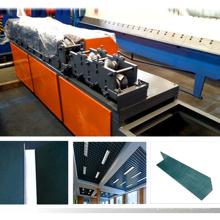 Alta precisión L TYPE forma de hierro perfil de tablestaca de acero techo furring luz quilla l esquina rollo de bolas que forma la máquina