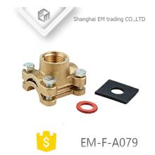 EM-F-A079 Brida de latón con doble junta de compresión