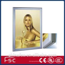 Colgante aluminio publicidad caja de luz