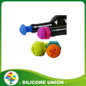 Cross screw style silicone water bottle stopper