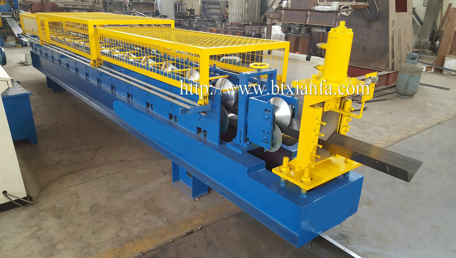 angle forming machine