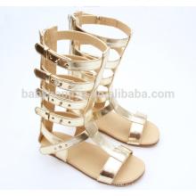 Горячие продажи девочек обуви наружных золотых дам фантазии плоские сандалии