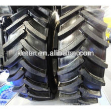 O trator agrícola radial cansa o melhor distribuidor 420 / 70r28
