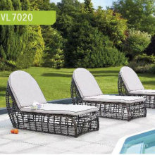 Moderne PE Rattan Tube Outdoor Chaise Lounge