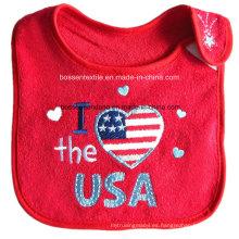 Babero rojo barato promocional de la baba del bebé del Applique bordado rojo del paño de felpa del algodón