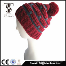 Sombrero caliente del invierno del diseño de encargo barato con la bola en tapa