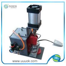 Botón automático neumático insignia máquina