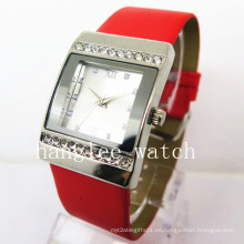 Reloj de cuarzo de moda de aleación de diamante reloj de cuarzo de moda (HL-CD024)