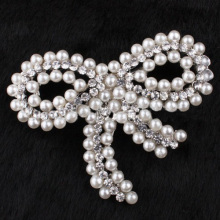 New Arrival design rhodium plated Elegant crystal bow brooches bow shape pearl brooch for women