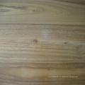 Sólido suelo de madera dura de color negro