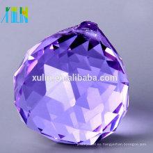 Bolas de cristal colgantes talladas de 30m m con el agujero para la lámpara
