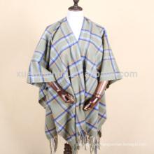 Compruebe el patrón de abrigo o capa para las mujeres en invierno