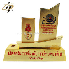 Professional Cheap Customized return gift metal book ship shape trophy