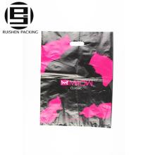 Die cut poignée en plastique sacs à provisions pour les vêtements