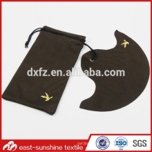 Promotional Custom Golden Logo Pressed Microfiber Eyeglasses Cloth and Pouch