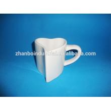 Taza de la forma del corazón / taza de la porcelana de la tarjeta del día de San Valentín con diseño de encargo