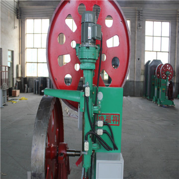 Vertical band saw machine for wood cutting