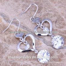 Banhado a ouro branco 3A zircão 925 prata esterlina coração dangling brincos ródio banhado a jóia é sua boa escolha