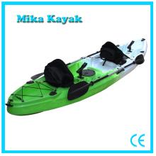 Pesca de tres personas Canoa barco Océano sentarse en la venta Kayak superior