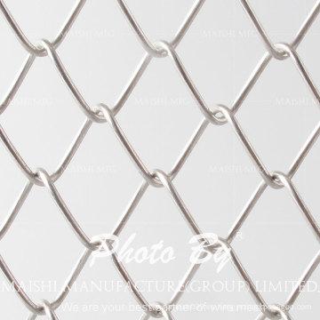 Forma de agujero de diamante cerca de enlace de cadena