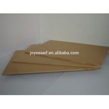 Gute Qualität Schrank Möbel Gebrauch 750kg / m3 Desity Feuchtigkeitsbeständiger grüner Farbkern MELAMINE MDF