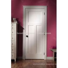 Porta do quarto de madeira lisa