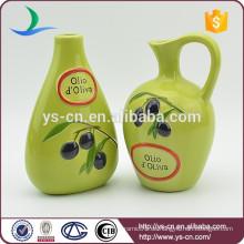 YSov0005-0 Handdruck grün glasiert Öl Essig Flasche mit Olivenzweig