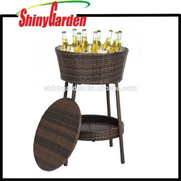 Cubo de hielo de mimbre Patio al aire libre Muebles de ratán Mesa de refrigerador de cerveza para todo tipo de clima con bandeja