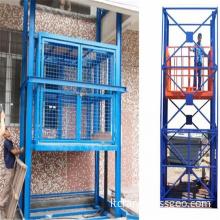 Double chain cargo hoist