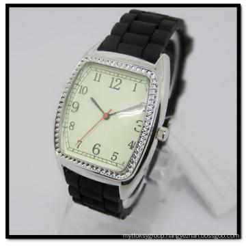 Hanglee-1532 Men′s Black Silicone Sport Mens Quartz Watch