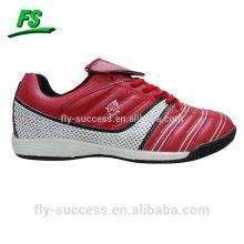 Новый стиль ботинки футбола
