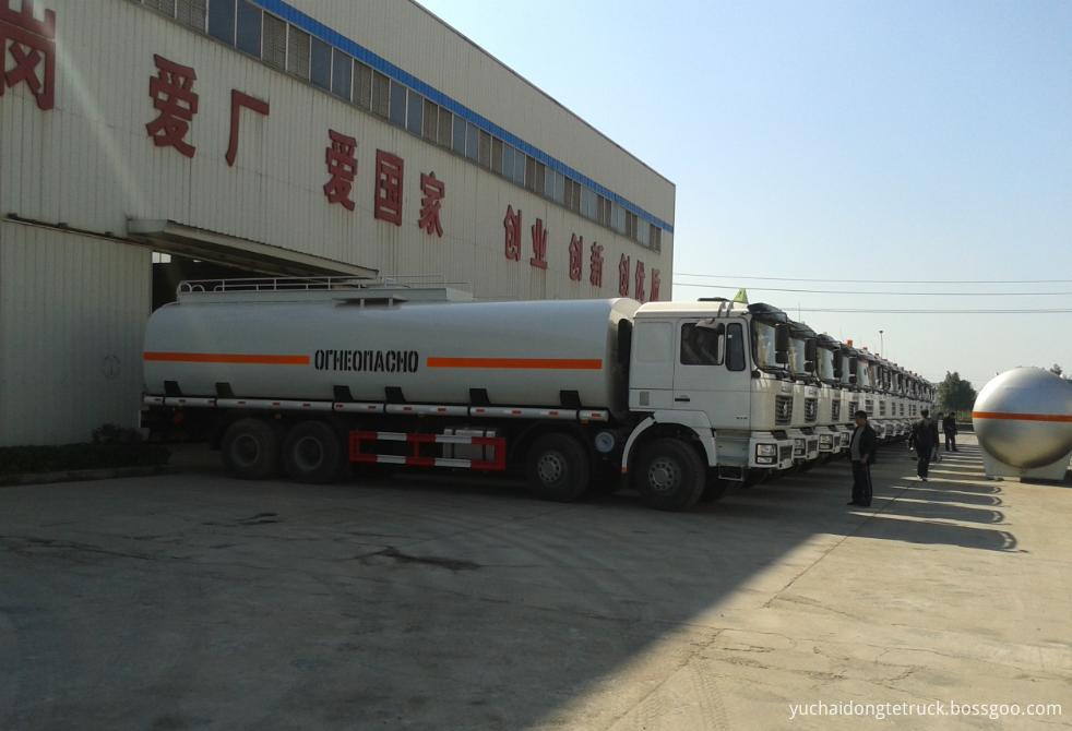 SHACMAN bitumen tanker truck