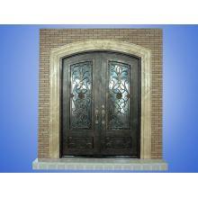 Porta da frente da villa lindamente projetada
