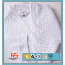 Peignoirs blancs de Kimono de gaufre de coton de polyester d'hôtel pour l'été