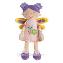 Muñeca adora de peluche