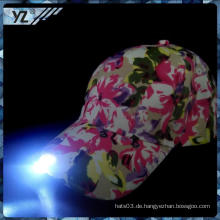 Neuer Entwurf China-Gewohnheit kundenspezifischer blinkender LED-heller Hut mit großem Preis