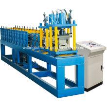 Machine de formage de rouleaux de portes à volets roulants