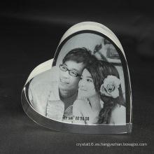 Marco de foto de cristal del grabado del corazón 3D para el regalo de boda
