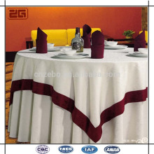 Custom Jacquard Table Cloth Elegante restaurante utilizado Mantel con superposición
