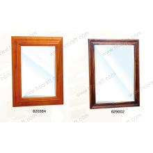 Espelho de madeira para banheiro com acabamento angustiante