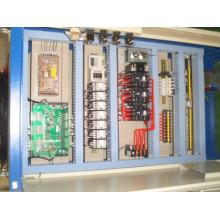 La boîte de contrôle de l'ascenseur de marchandises