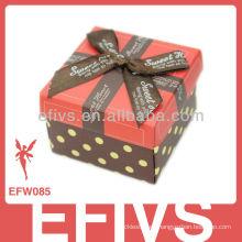 2013 Decorado Rojo Bow-Tie Wedding Favor Caja hecha en China