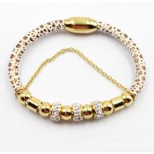 Pulseira de couro do ímã da forma com o ouro chapeado grânulo do aço inoxidável & as contas do zirconia