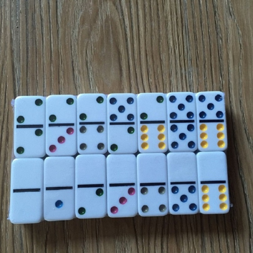 Urea Double 6 Domino Game Set