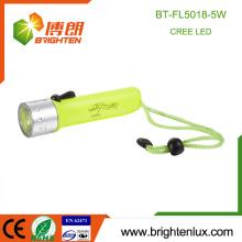 Großhandel billig wasserdicht ultra helle Tauchfackel ABS Kunststoff Unterwasser lange Reichweite 5W 4 * AA Tauchen leistungsstarke LED Taschenlampe