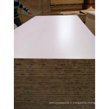 Panneau latté de papier de mélamine blanc / panneau latté de noyau de peuplier de 18mm